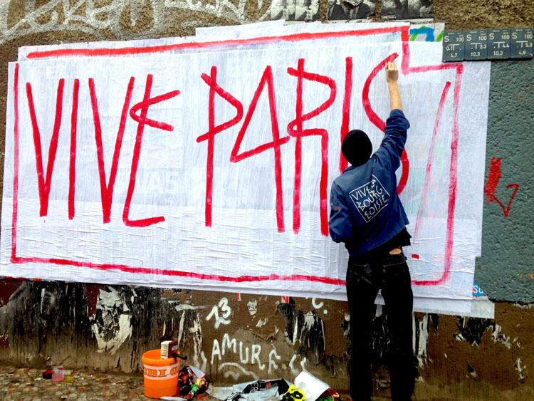 SP38, Vive Paris, Vive la bourgeoisie, vive la crise, vive SP38, propagande, affichiste, sérigraphie, street art, , Berlinstreetart