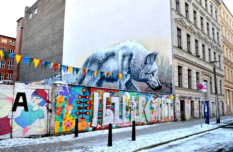 street art history berlin wall graffiti walls  way today time