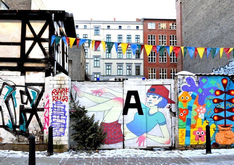 Freie internationale Tankstelle | Berlin (Germany) Street art Berlin